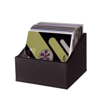 image d'une caisse en bois pour ranger les vinyles