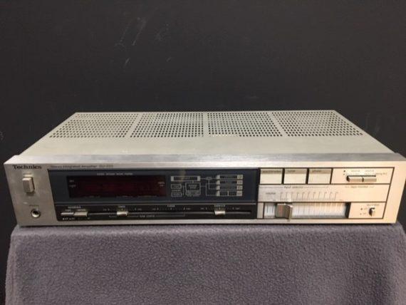 image d'un amplififcateur modèle SU-Z55