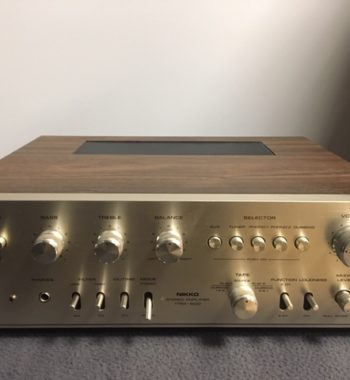 photo d'un amplificateur nikko trm 600 bois et silver