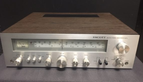 Image d'un amplificateur tuner SCOTT modele R 327 L