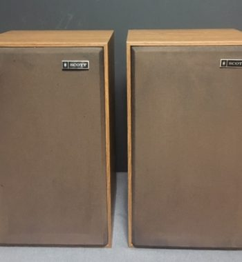 Image d'une paire d'enceintes SCOTT S177