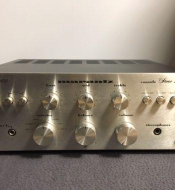 Image d'un amplificateur marantz modele 1060 silver